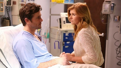 Charles Esten y Connie Britton en Nashville