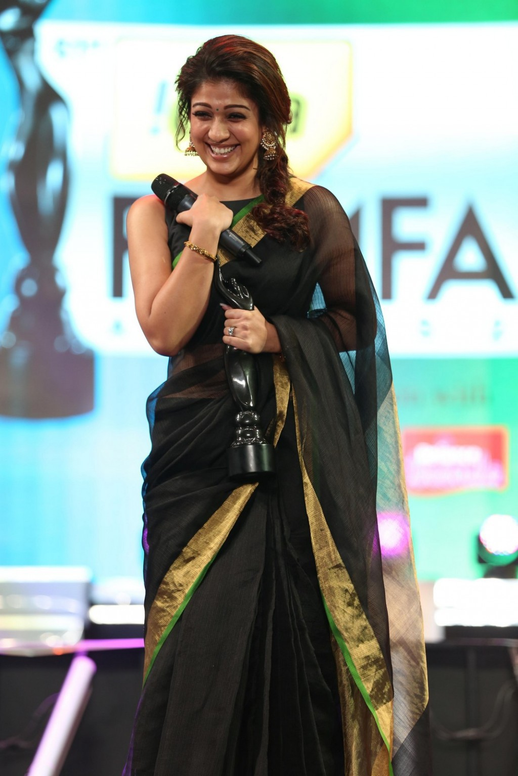 Tamil Actress Nayantara Latest Cute Photos In Black Saree