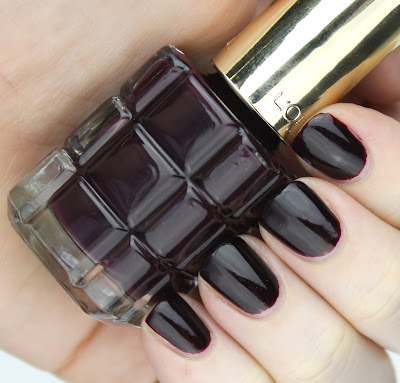 L'Oreal Colour Riche Le Vernis A L'Huile Nail Polishes review swatches 556 Grenat Irreverent