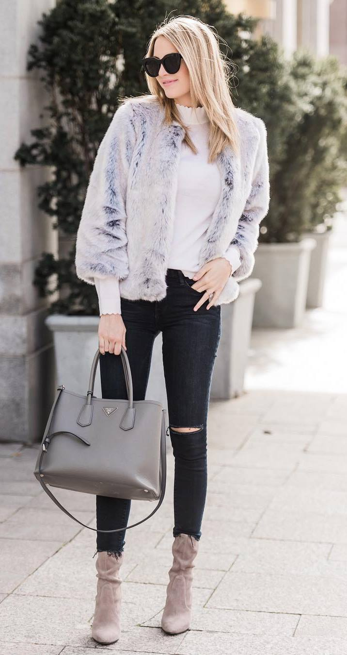 awesome outfit idea for fall / fur jacket + white top + skinny jeans + heels + bag