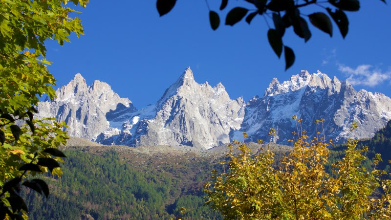 Autumn Landscape and Mountains HD
