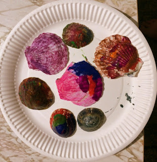 Painting seashells craft