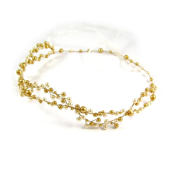 Tiara ślubna ze złotymi perłami.
