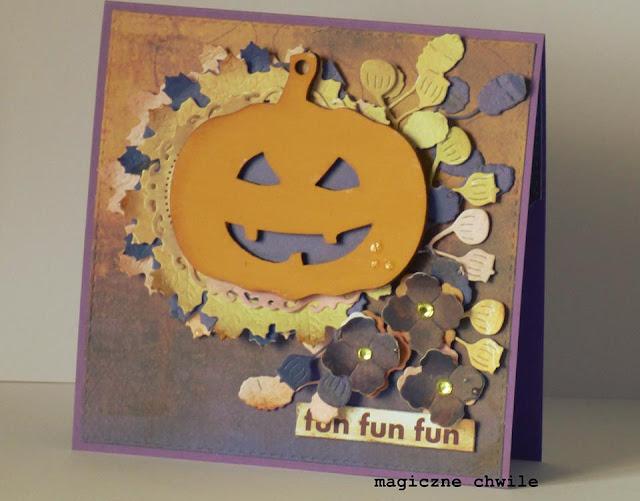 kartka ozdobiona halloweenową dynią