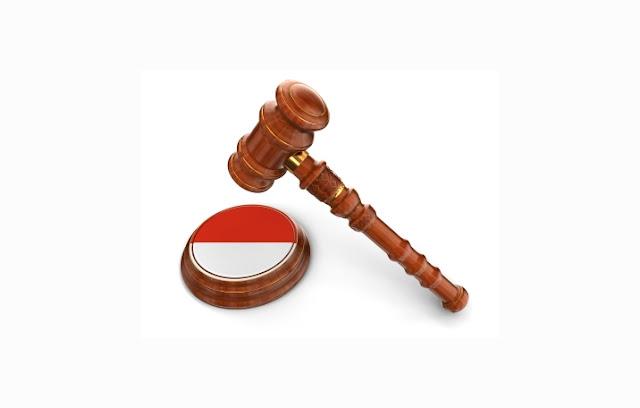 Negara hukum adalah negara yang menjadikan hukum sebagai dasar penyelenggaraan kekuasaan  Negara Hukum : Pengertian, Unsur, Ciri, Tipe