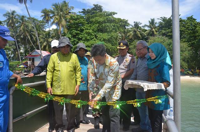Dirjen Pengelolaan Ruang Laut Kementrian Kelautan dan Perikanan RI, Resmikan Dermaga Apung Pulau Angso