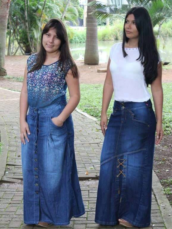 b326ae197c Las faldas de Jean largas son prendas que nunca pasarán de moda