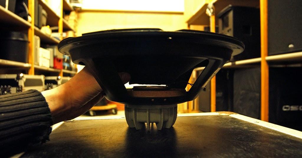 ciri ciri jenis speaker yang bagus. Black Bedroom Furniture Sets. Home Design Ideas