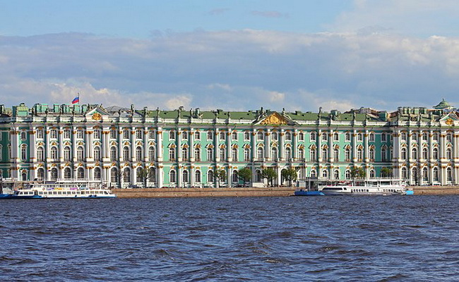 Xvlor.com State Hermitage Museum is Catherine the Minerva as the world's largest