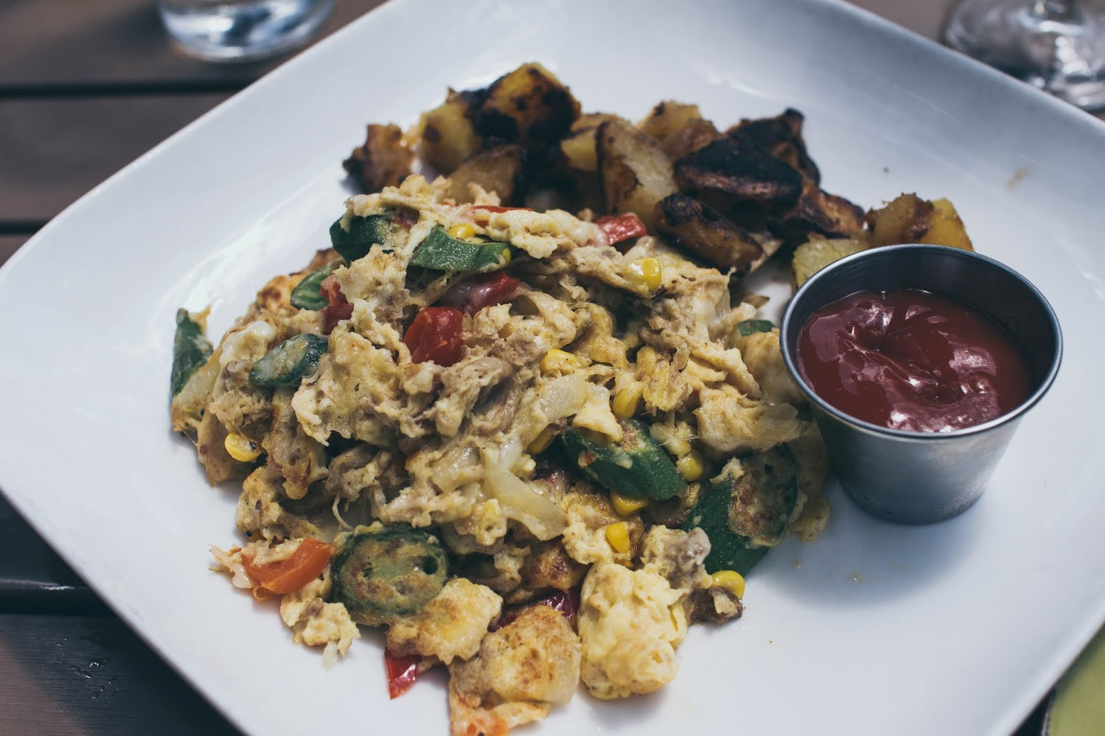 dc-brunch-due-south-pulled-pork-scramble-blogger-avizastyle-andrea-viza