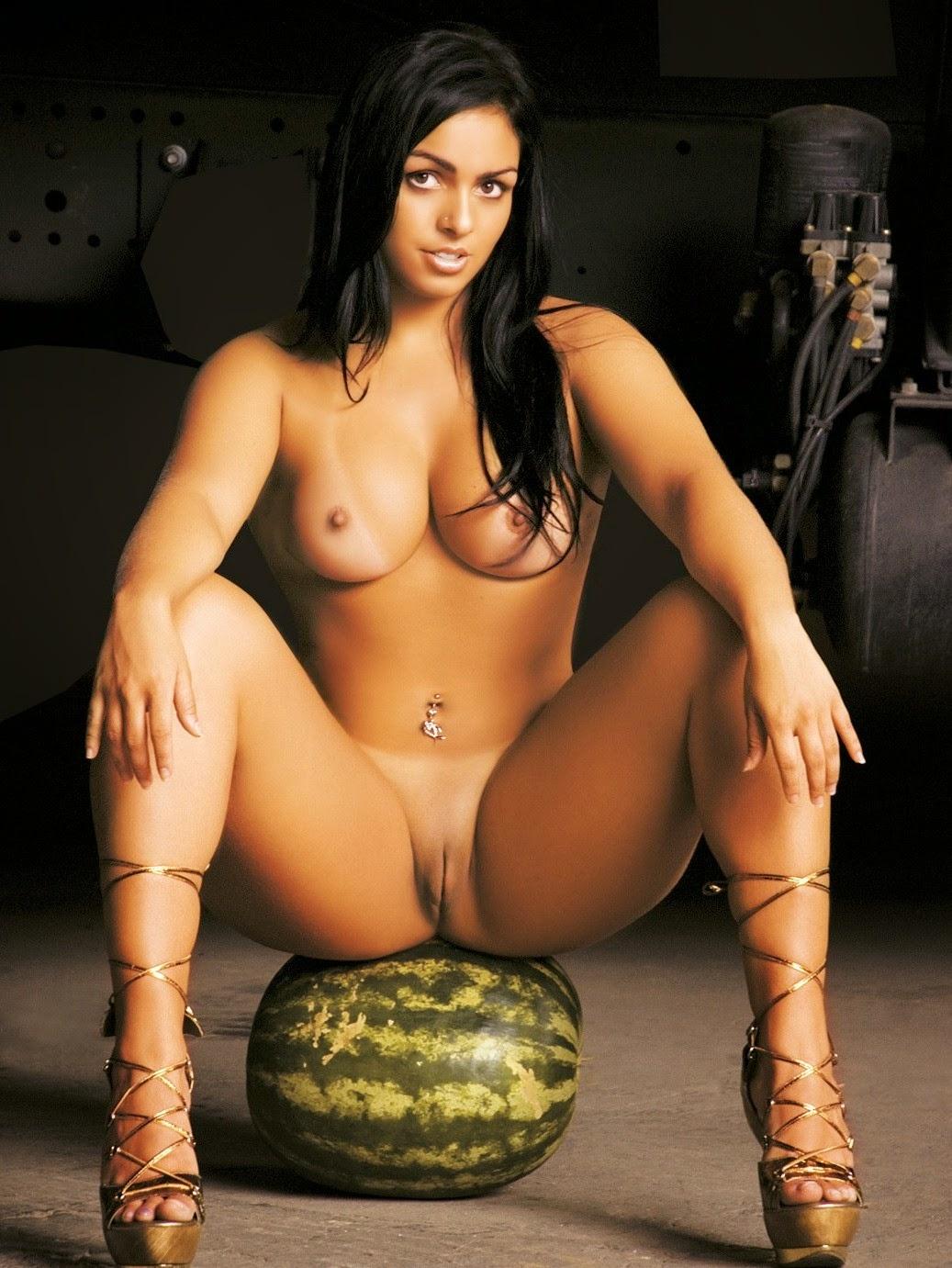 Anal mulher melancia