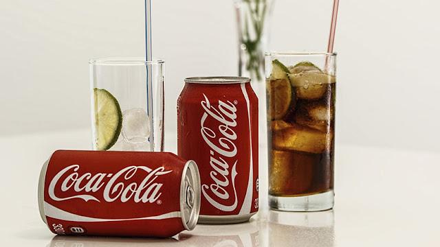 """""""Hola, muerte"""": El siniestro error de traducción en una máquina expendedora de Coca-Cola"""