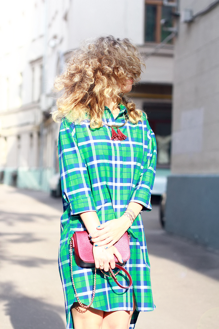 margarita_maslova_ritalifestyle_green_plaid_dress_shirt1