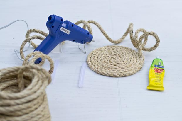 Sarah m dorsey designs diy rope art tutorial for Rope designs and more