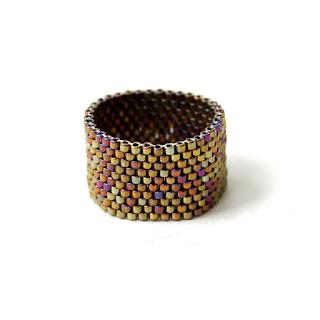 купить Необычное женское кольцо ручной работы.Бижутерия из бисера. интернет магазин