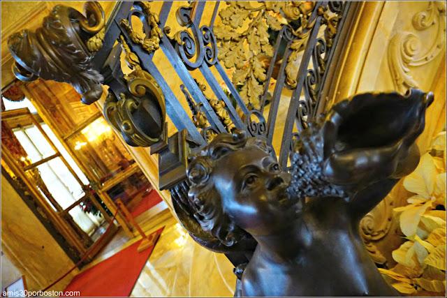 Baranda de la Escalera Principal de Marble House, Newport