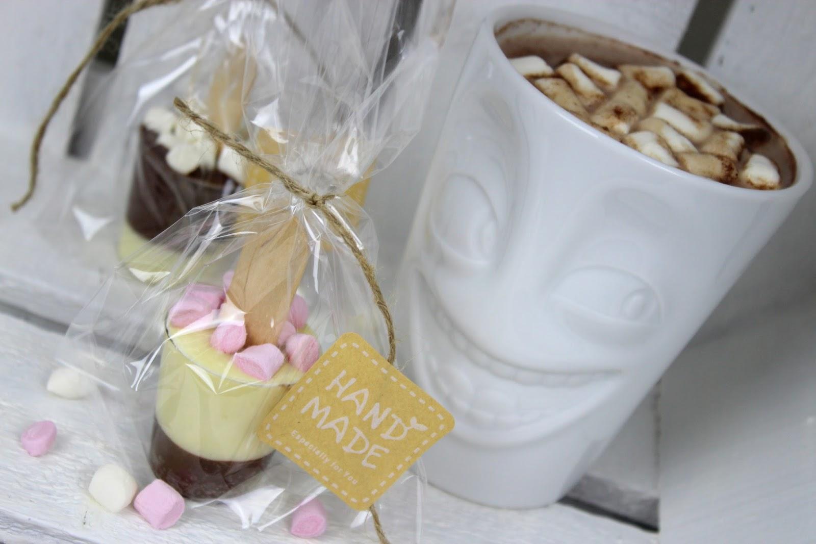 DIY Trinkschokolade am Stiel ganz einfach selber machen + Anleitung und Rezept