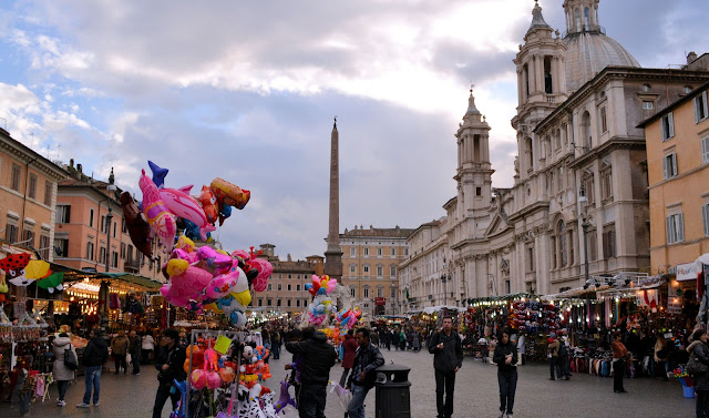 Christmas market in the Piazza Navona in Rome, Italy, remains open till the Epiphany. Photo: WikiMedia.org.