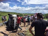 Acidente entre dois carros no Sertão deixa mortos e feridos