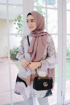 Melody Prima artis cantik dan manis JIlbab Manis