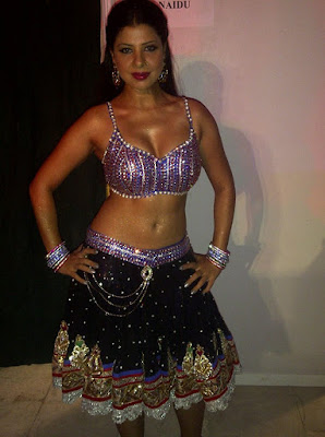 Sambhavna Seth performing dance picture