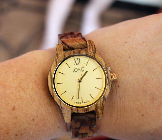 https://www.woodwatches.com/#themagnoliamom