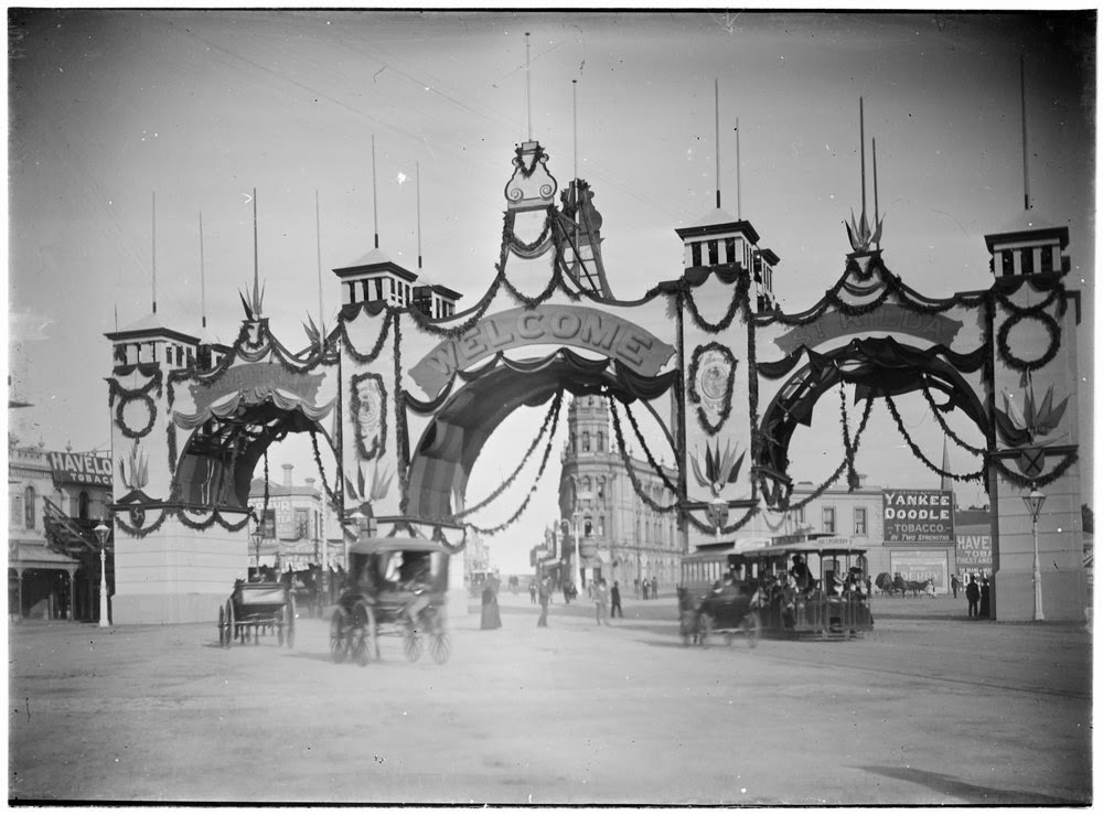 This arch was erected over the Junction to celebrate the visit of the Duke and Duchess of York. (1901)