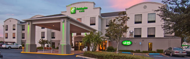 Stay Your Way at Holiday Inn Hotel & Suites Opelousas Lafayette. Welcome to this 100% non-smoking hotel in lovely Opelousas, LA. The Hotel contemporary, attractive rooms and a quaint location in the heart of South Louisiana's Cajun country.
