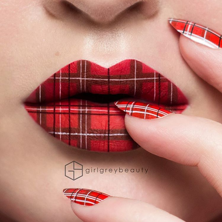 03-Tartan-Pattern-Andrea-Reed-Body-Painting-and-Lip-Art-www-designstack-co