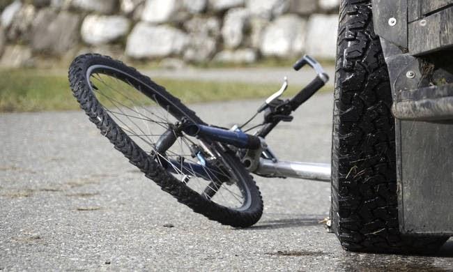 Ηλικιωμένος ποδηλάτης παρασύρθηκε από ΙΧ στη Λάρισα