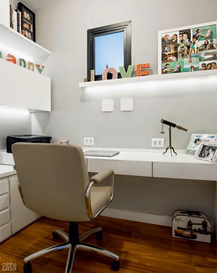 Groovy Garota Com Modos Inspiracao Para Home Office Closet Quarto Largest Home Design Picture Inspirations Pitcheantrous