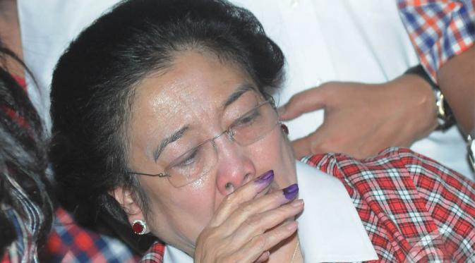 Ahok Keok, Kader PDIP Khawatir Mega Terserang Penyakit
