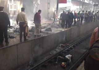 اللقطات الأولى لحادث حريق قطار داخل محطة سكك حديد مصر