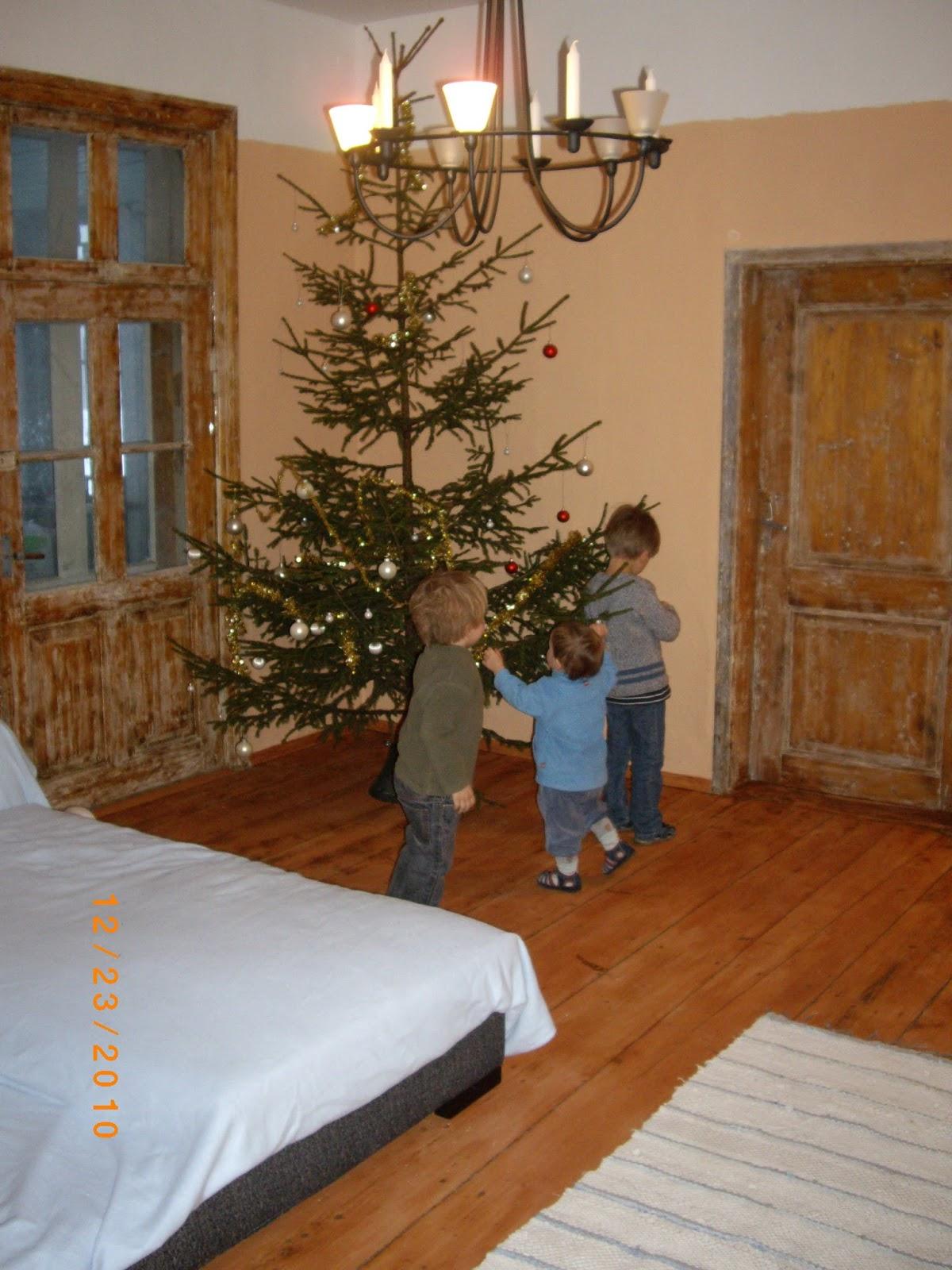 o tannenbaum oder wie es hier bei uns weihnachtet. Black Bedroom Furniture Sets. Home Design Ideas