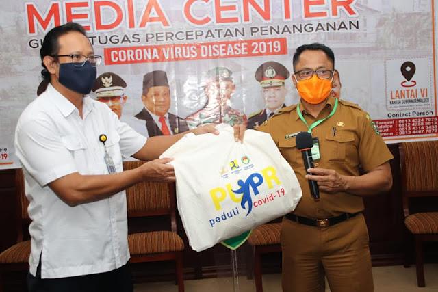 Kasrul Selang Terima Bantuan APD dan Masker dari Balai Wilayah Sungai (BWS) Maluku