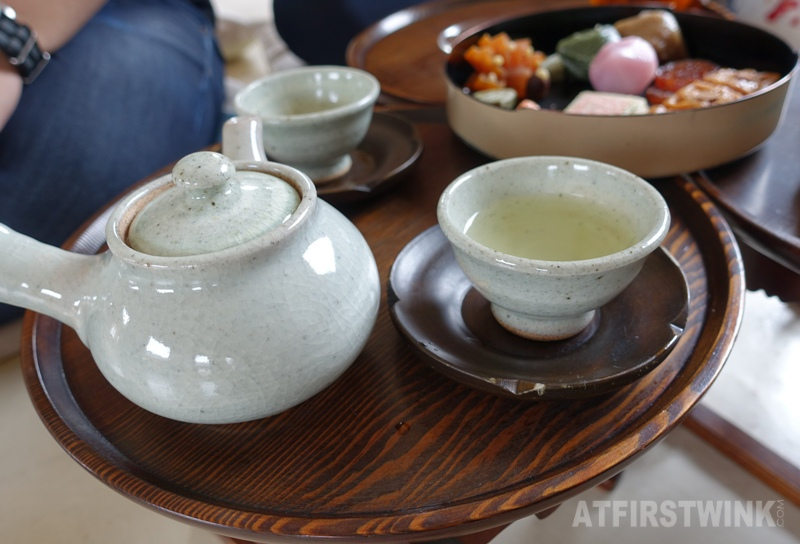 Saenggwabang in Gyeongbokgung palace yujacha yuzu tea