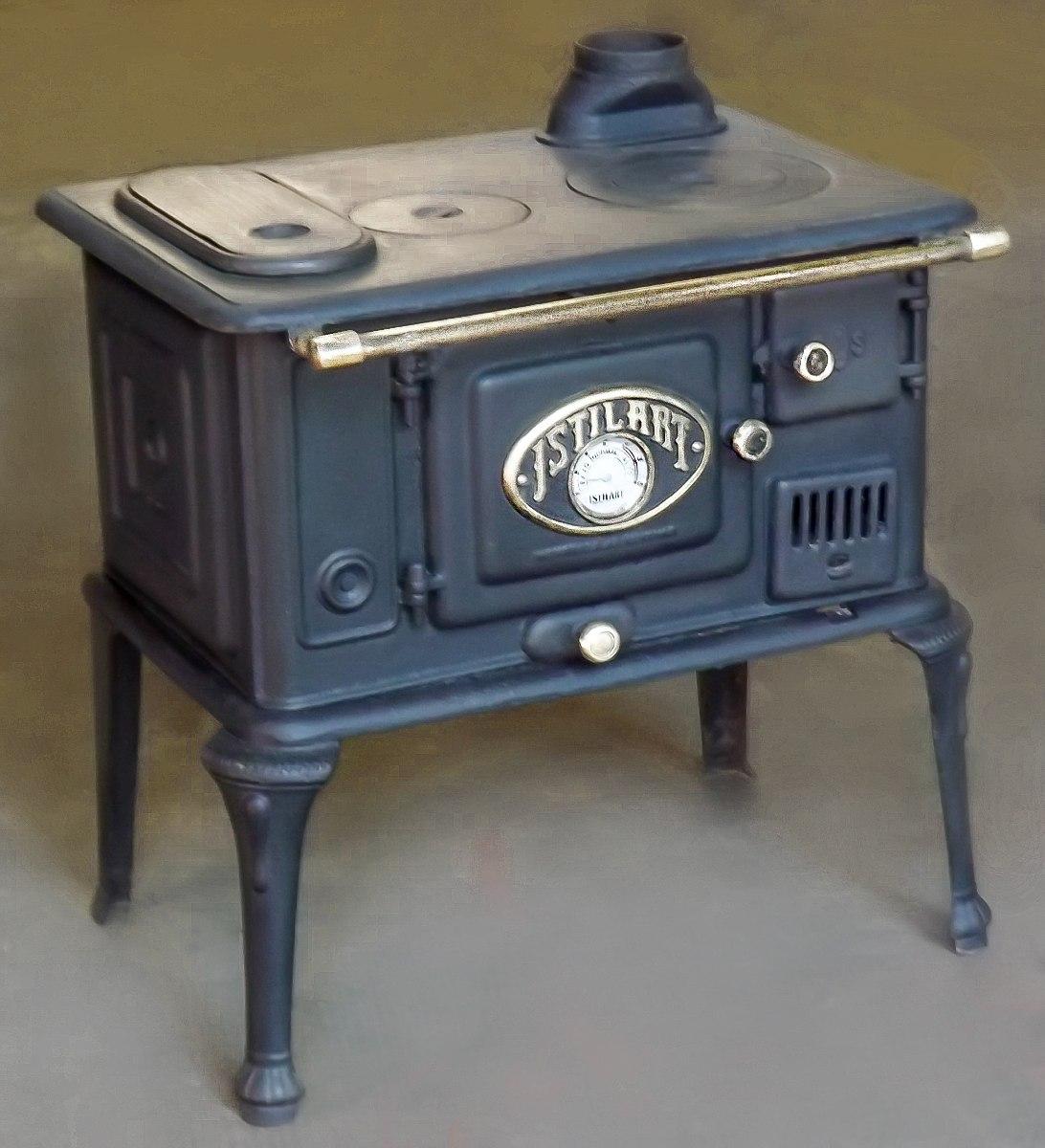 Hilando recuerdos las cocinas a le a infaltables en el hogar for Cocinas de hierro antiguas