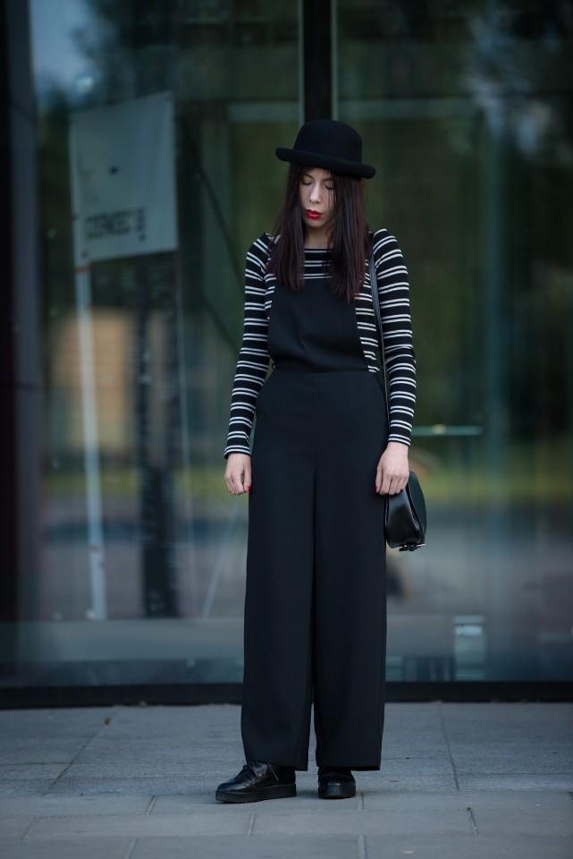 szerokie ogrodniczki | stylizacja z ogrodniczkami | bluzka w paski | moda alternatywna | stylizacja z kapeluszem | bluzki bez ramion | blog o modzie | blogerka modowa