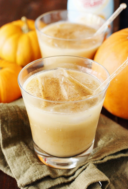 Pumpkin Spice White Russians - Add a fabulous seasonal twist to your cocktail line-up ... perfect for fall sipping.   www.thekitchenismyplayground.com