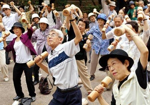 Du học Nhật Bản: Rajio Taiso – Tập thể dục theo radio