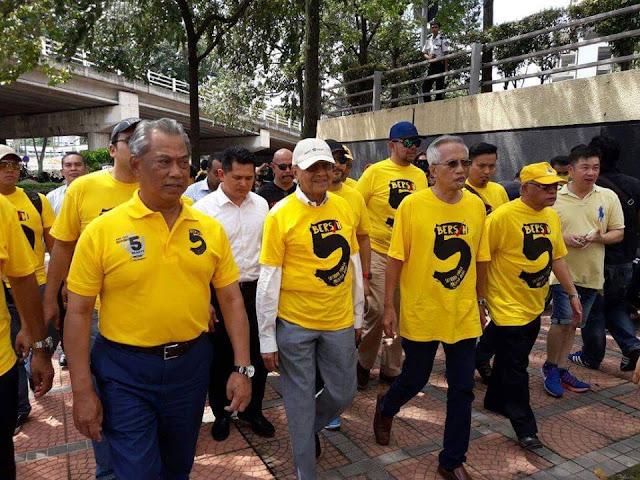 Image result for Gambar Mahathir