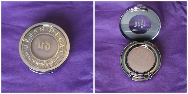 Photo of the packaging for the Eyeshadow in Bust from the Urban Decay Goodie Bag