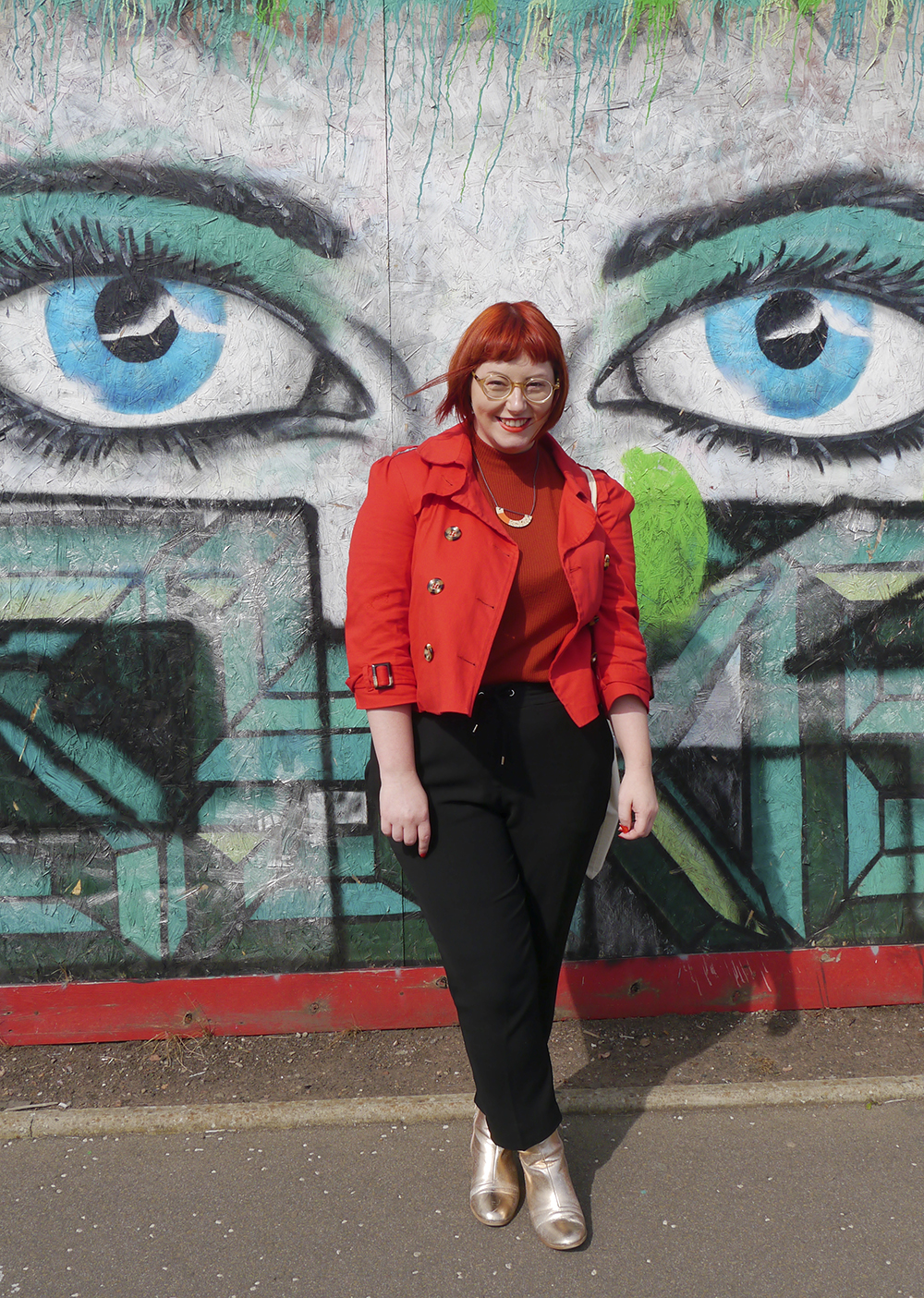 Red haired Scottish fashion blogger wearing smart casual outfit with CrossEyes lasses and Syrah Jay necklace