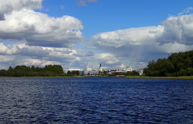 Oulu mereltä päin tultaessa.