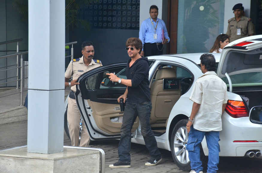 Shah Rukh Khan and Imtiaz Ali at Gate no. 8 at Kalina In Mumbai