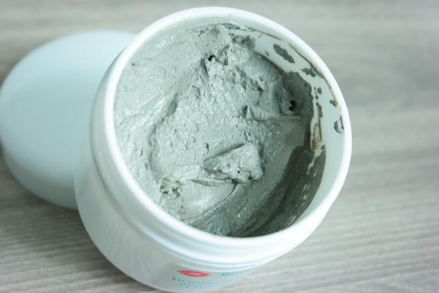 argila verde, manchas de pele, verão, tratar a pele, clareadores, arbutin, ácido glicólico, sabonete facial, vitamina C, esfoliação, máscara, argila branca