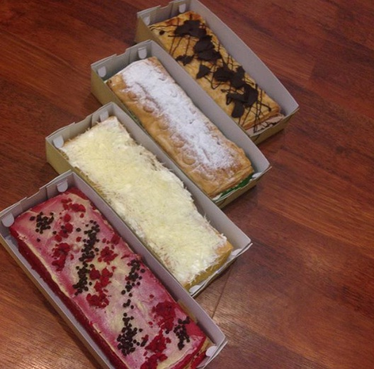 pisjo cake kendari oleh oleh kendari