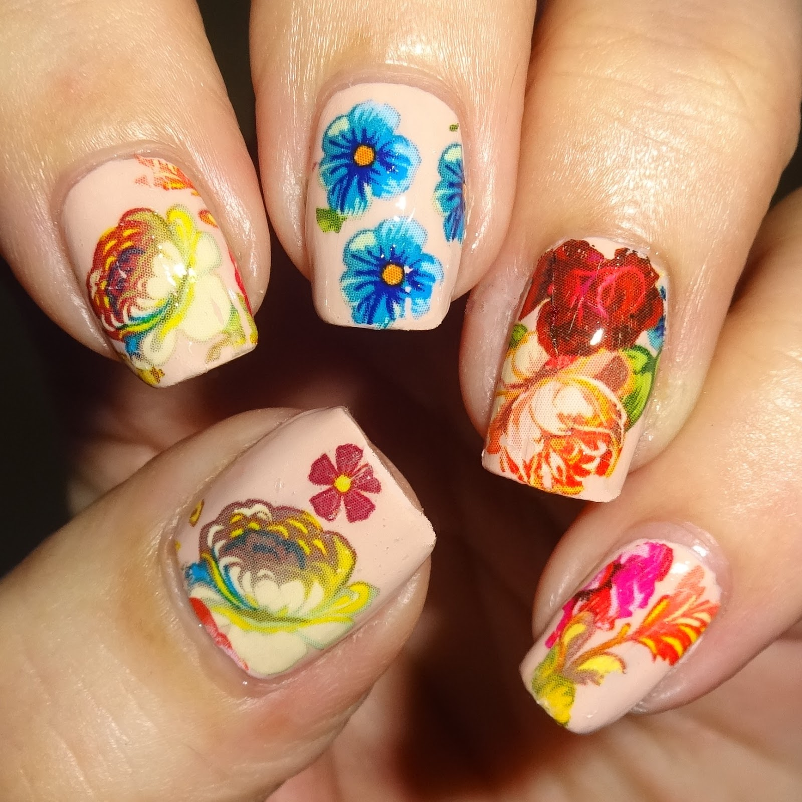 Summer flower nail art foil blog by Wendy\'s Delights - Charlies Nail Art