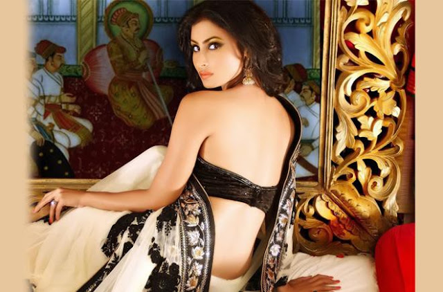 mouni-roy-back