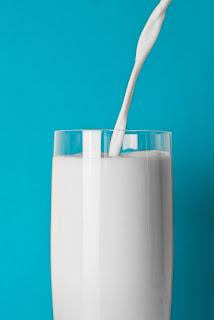 Milk Homemade Cleanser in Hindi